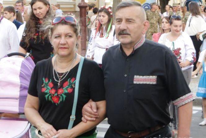 Хмельничан у вишиванках безкоштовно кататимуть у тролейбусах 24 серпня