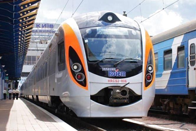 Відсьогодні, 24 серпня, курсуватиме поїзд до польського Перемишля