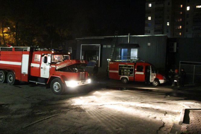 """Вночі на Курчатова горів новозбудований супермаркет """"АТБ"""""""