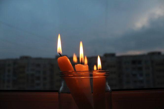 Близько сотні будинків хмельничан відключать від світла 29 серпня
