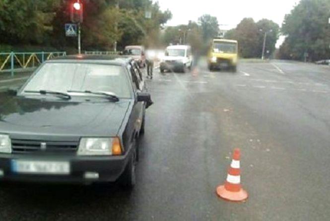 На Кам'янецькій «Fiat Doblo» врізався у «ВАЗ»: є потерпілі