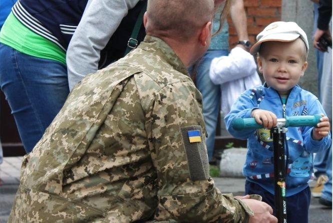 Працівники СБУ з Хмельницького вирушили на чергову ротацію в АТО