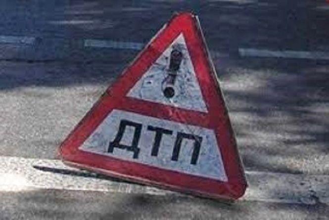 У Теофіпольському районі автомобіль наїхав на пішохода