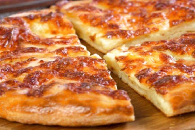 Смачно і швидко: як приготувати хачапурі на сніданок
