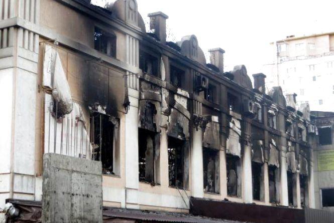 Київські експерти третій місяць встановлюють причину пожежі меблевої фабрики