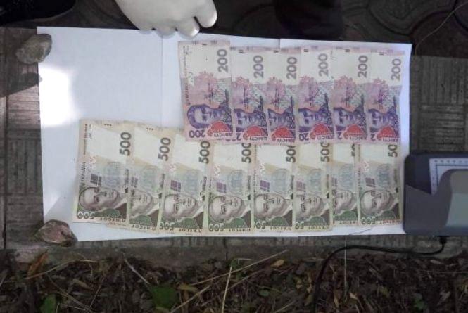 У Хмельницькому судитимуть декана КПНУ ім. Огієнка, який попався на хабарі у 5 000 гривень