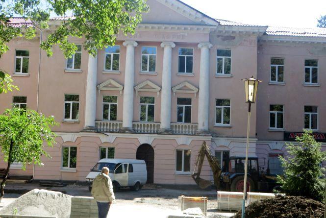 У хмельницькій міській лікарні ремонтують три корпуси