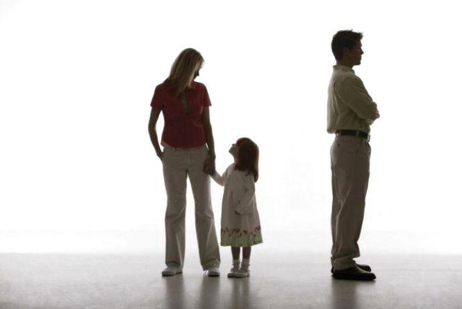Нові покарання за несплату аліментів на дітей: за кордон не пускатимуть, права забиратимуть (ОБГОВОРЕННЯ)