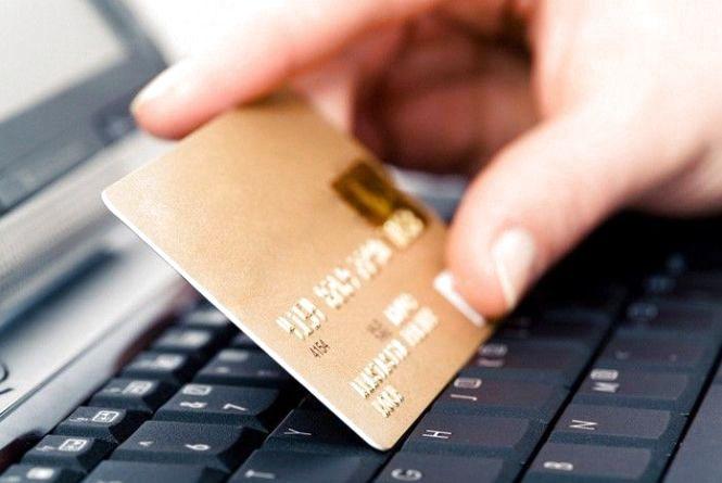 У Хмельницькому під приводом «купівлі-продажу» шахраї видурюють гроші у людей