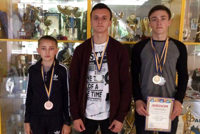 Юні стрільці з Хмельницького здобули бронзу та срібло на чемпіонаті України