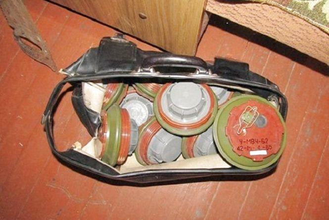 Ящики з боєприпасами залишив квартирант хмельничанці замість квартплати
