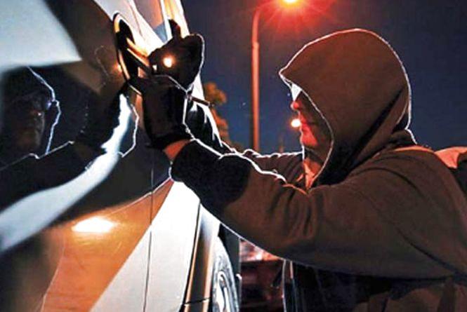 Хмельницькі правоохоронці шукають викрадений автомобіль «ВМW-Х5»