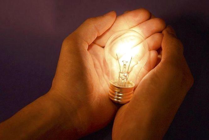 9 жовтня без електроенергії залишаться будинки на двох вулицях Хмельницького
