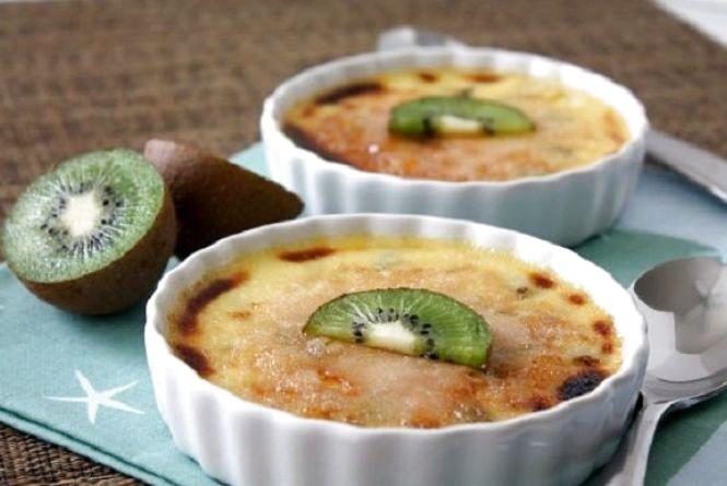 Смачний та швидкий сніданок: як приготувати сирне суфле з ківі