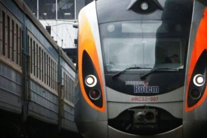 На два тижні маршрут поїзда «Київ-Перемишль» скоротять