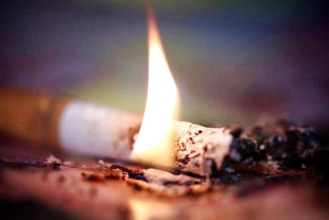 Мешканець Дунаєвеччини ледь не згорів через куріння в ліжку