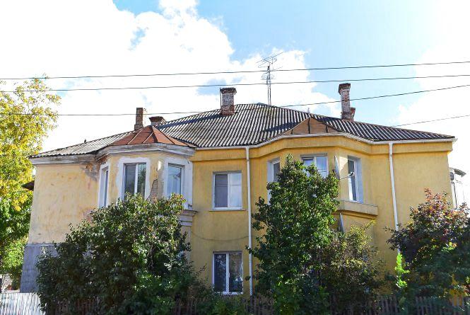Хто тут живе? Будинок залізничників на Шевченка