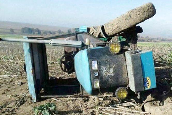 У Білогірському районі перекинувся трактор. 12-річний пасажир загинув на місці