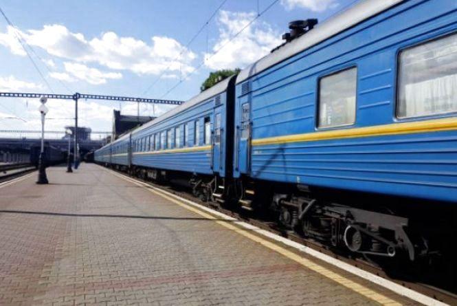 """В """"Укрзалізниці""""обіцяють нову постільну білизну в поїздах вже цього року"""