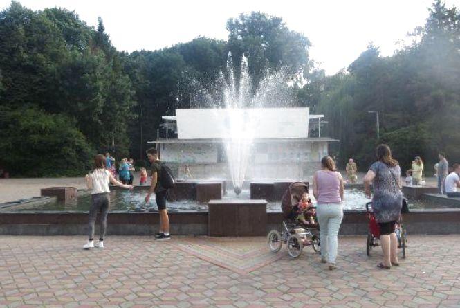 "На фонтан у парку Чекмана ""докинули"" ще 500 тисяч гривень"
