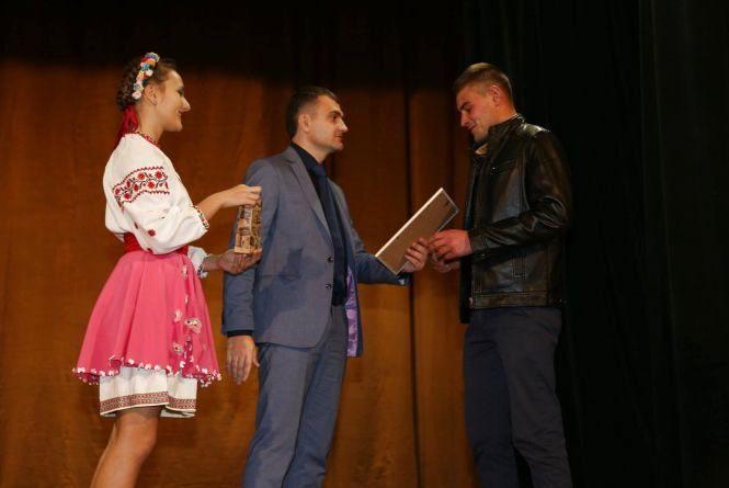 У Хмельницькому привітали автомобілістів та дорожників з професійним святом