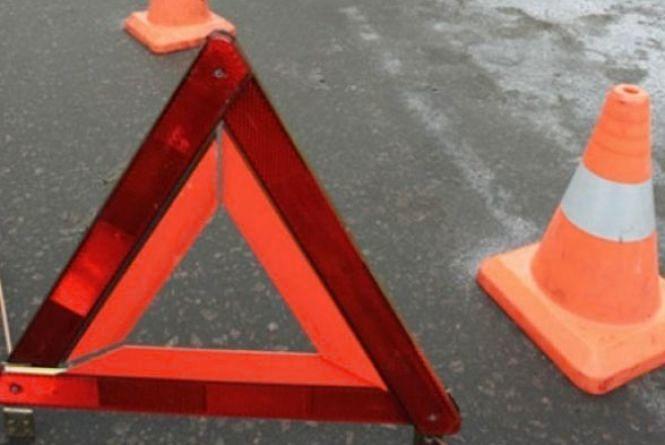У Шепетівському районі рейсовий автобус збив пішохода. Чоловік у важкому стані