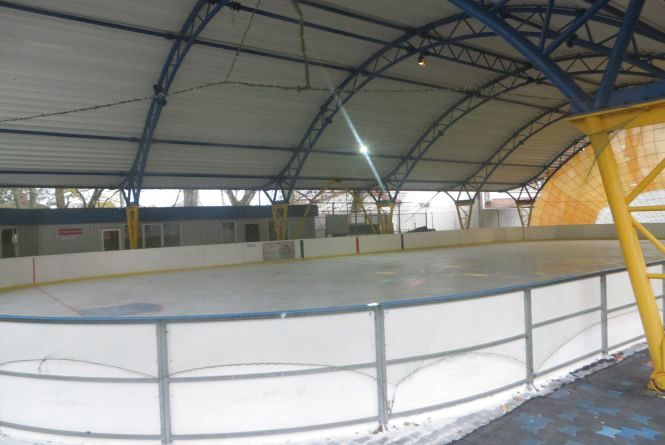 Сезон відкрито: коли і за скільки можна покататися на ковзанах у Хмельницькому