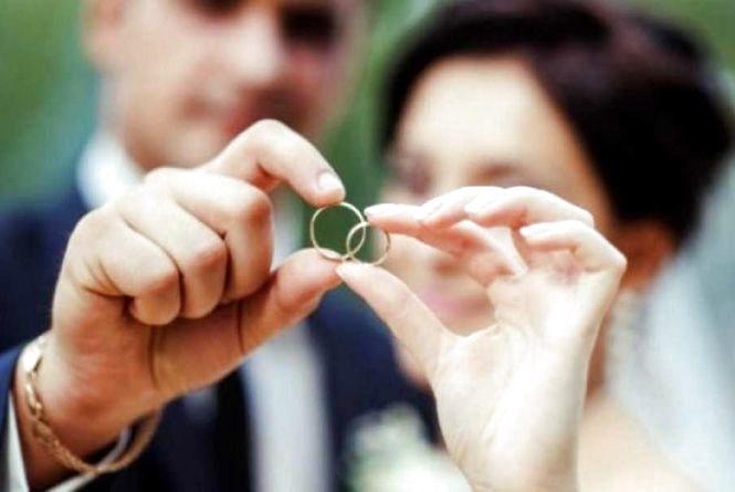 """У жовтні 38 пар у Хмельницькому зіграли """"експрес весілля"""""""