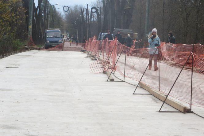 Старокостянтинівський міст готують відкрити для транспорту
