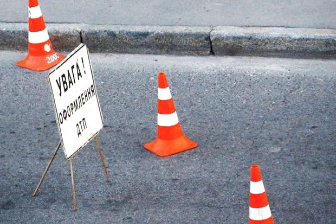 На Хмельниччині пішохід загинув під колесами автомобіля