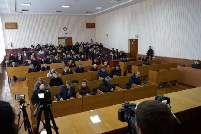 Через холодні батареї Шепетівська міськрада вимагає кримінальної справи проти теплопостачальника