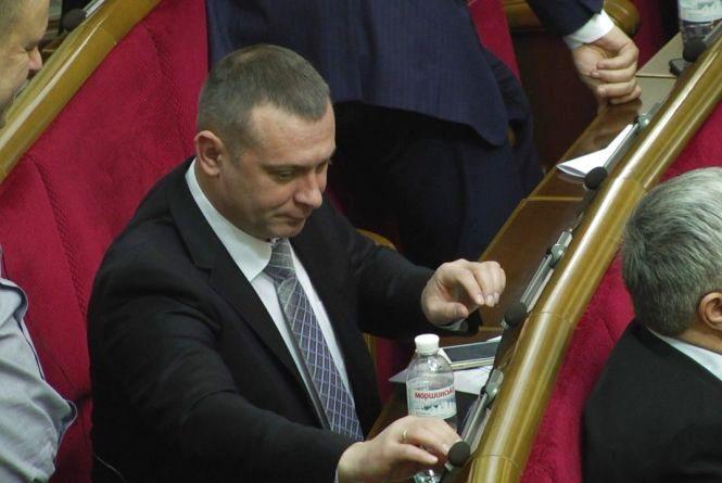 Голосування у Раді: депутат з Хмельниччини очолив рейтинг кнопкодавів