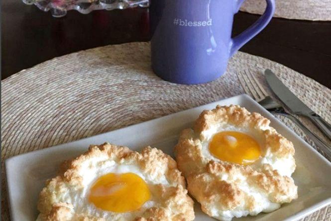"""Смачний та оригінальний сніданок: як приготувати """"хмаринку"""""""