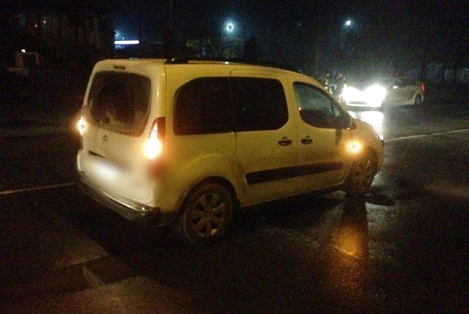 На Чорновола пенсіонер потрапив під колеса автівки