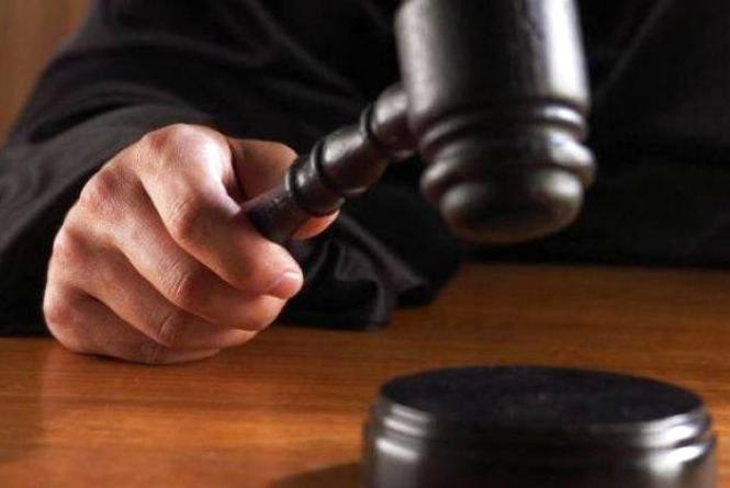 Ліцеїст, який зґвалтував 14-річного красилівчанина, хотів вийти з СІЗО. Суд відмовив