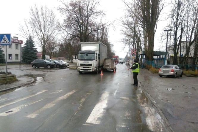 На Курчатова пікап збив жінку на пішохідному переході