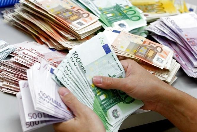 НБУ спростив правила ввезення готівки в Україну