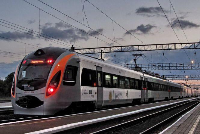 """""""Укрзалізниця"""" планує наймасштабніше оновлення поїздів"""