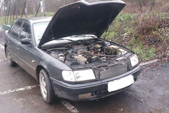 """Два автомобілі """"в розшуку"""" виявили за день у Хмельницькому"""