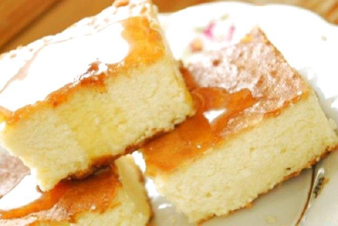 Смачний і корисний сніданок: як приготувати сирну запіканку з манкою