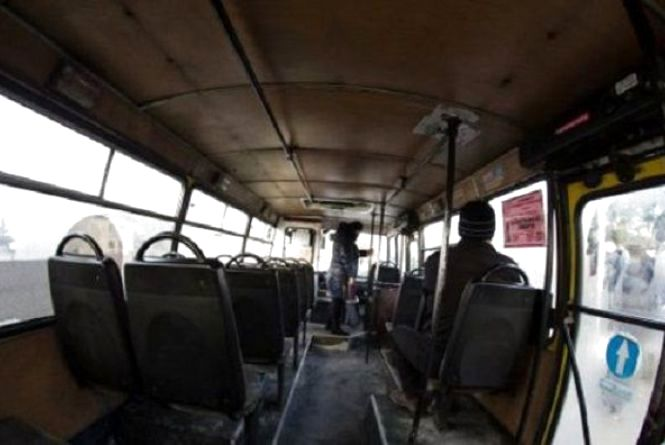 У Хмельницькому в маршрутці  № 40 травмувалися двоє людей, бо водій різко загальмував
