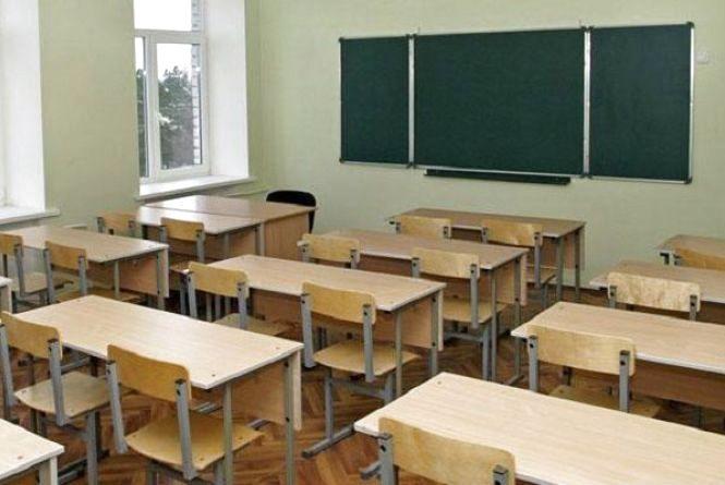 У Шепетівському районі батьки і учні почнуть голодування, якщо їм не дадуть закінчити навчальний рік у стінах школи