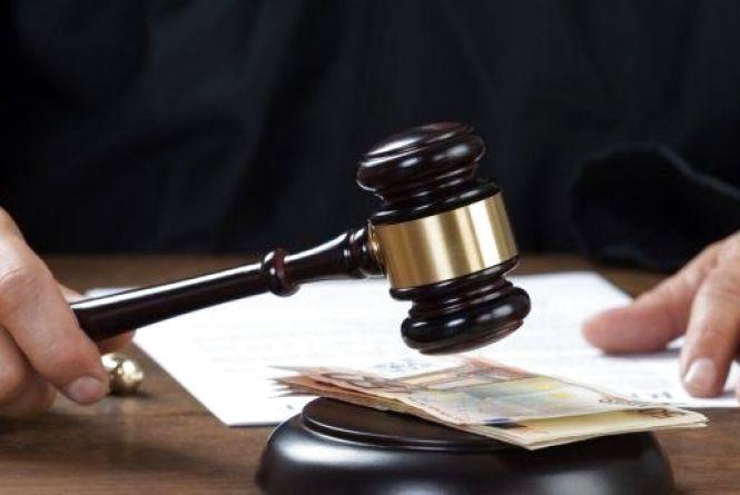 Мешканець Ізяслава, який вкрав у друга 40 гривень, заплатить 1700 гривень штрафу