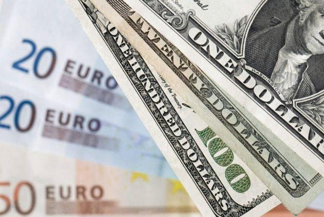 Курс валют на 18 грудня: долар та євро подорожчали