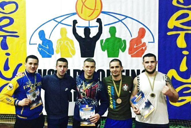 Сильні духом і тілом: хмельничани здобули першість у боротьбі за Кубок України з хортингу