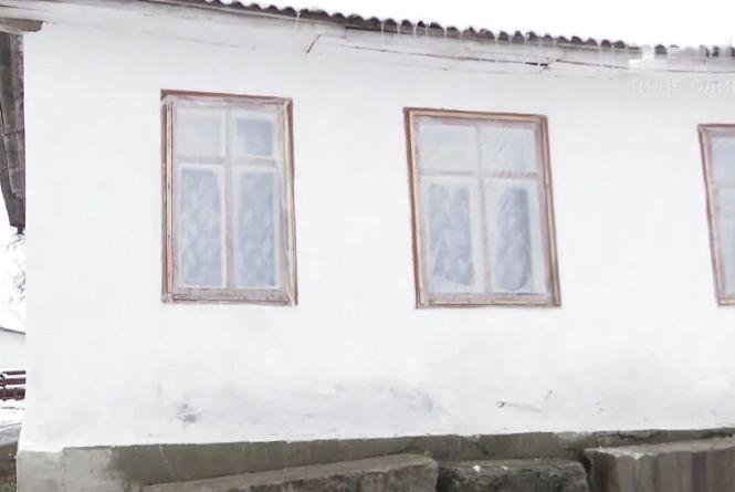 Навчання у руїнах: з дітьми працюють у напівзруйнованій школі Шепетівського району