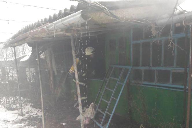 На Красилівщині вогонь охопив житловий будинок
