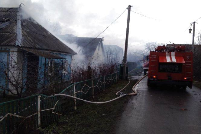 Через коротке замкнення електромережі у Волочиську згорів будинок