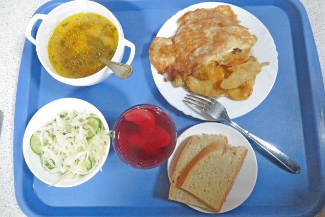 """Перевіряємо хмельницькі їдальні: як годують у «Євросмаку» біля кінотеатру """"Планета"""""""