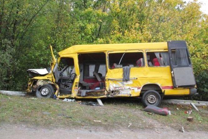 Суд призначив покарання водію фури, яка протаранила маршрутку під Кам'янцем. Загинуло 4 пасажира
